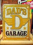 画像1: ブリキ看板 Dad's Garage 24時間営業 (1)
