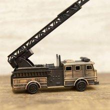 詳細写真2: アンティークシャープナー ファイヤートラック はしご車 鉛筆削り